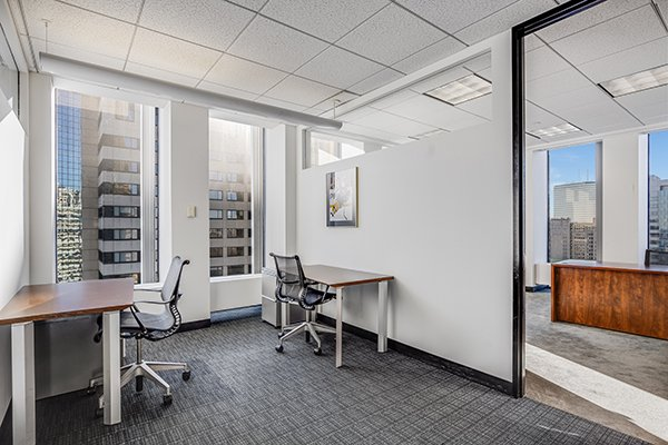 Private Office Spaces for lease at 1 Boston Place Meeting Room